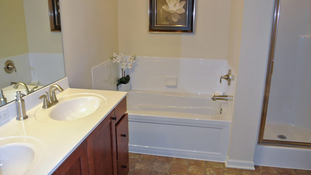 Russell Master Bathroom Min